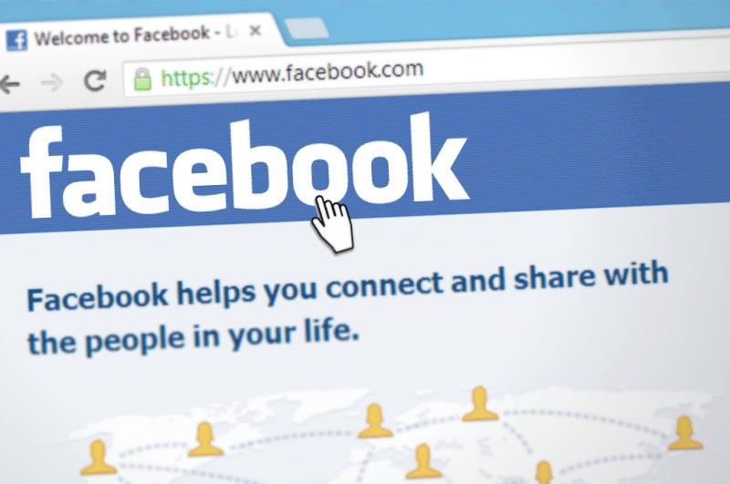 אתר פייסבוק במחשב